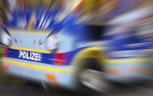 Germany, Police car with zoom effect - HOHF000061