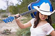 USA, Texas, Teenage girl with guitar - ABA000759