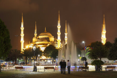Turkey, Istanbul, View of Sultan Ahmed Mosque at Sultanahmet district - SIE003384