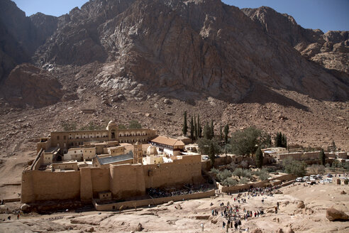 Egypt, View of St Katherine's Abbey at desert Sinai - TK000092