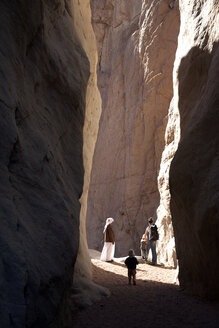 Egypt, Family standing at white canyon - TK000093