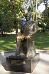 Turkey, Istanbul, Statue of Mustafa Kemal Ataturk at Gulhane Park - SIE003524