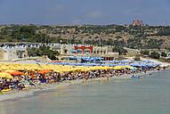 Malta, People at Mellieha bay - MIZ000260