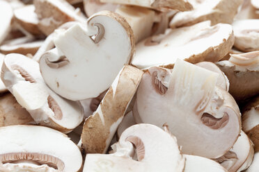 Sliced mushrooms, close up - CSF018022