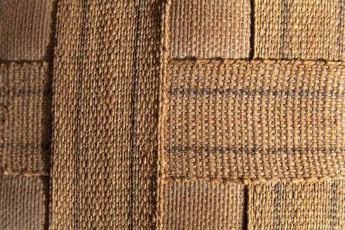 Jute straps of bottom side of chair, close up - TD000017