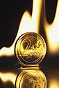 Two euro coin burning - MU001295