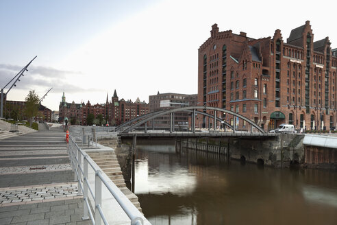 Germany, Hamburg, View of new Hafencity with Maritime Museum - MS002909