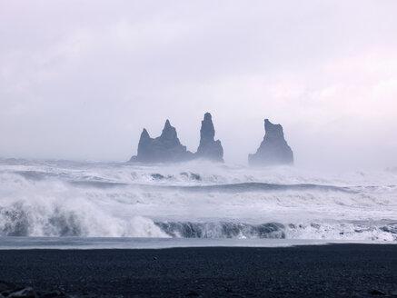 Iceland, View of Atlantic Ocean waves at Black Lava Beach - BSCF000248