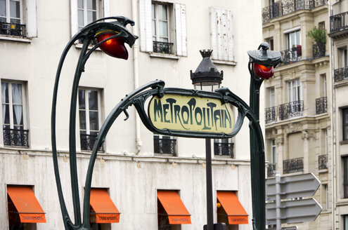 France, Paris, Art Nouveau for Metro sign - ALE000030