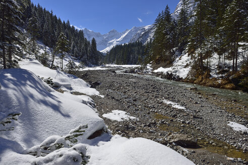 Austria, Tyrol, Karwendel Mountains in snow - ESF000362