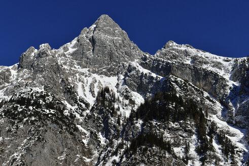 Austria, Tyrol,  Karwendel Mountains, in snow - ESF000363