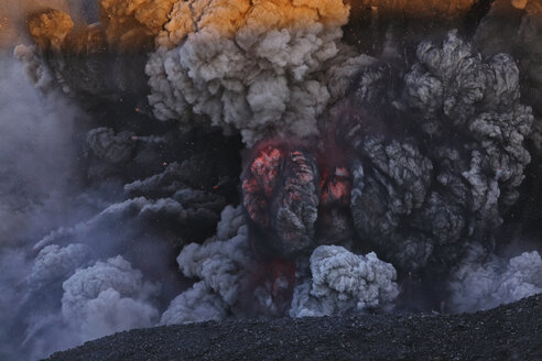 Iceland, View of lava erupting from Eyjafjallajokull - RM000489