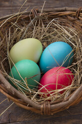 Basket of easter eggs - LVF000008
