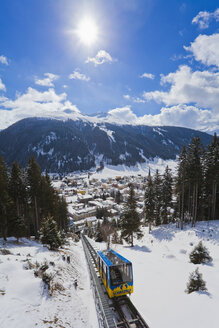 Switzerland, View of Schatzalp funicular and cityscape at Grison - WD001728