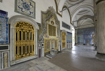 Turkey, Istanbul, Interior of Chamber of the Holy Mantle - LH000065
