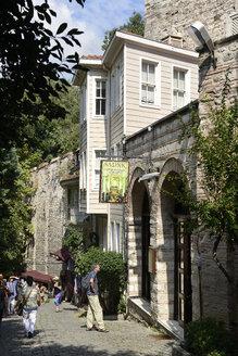 Turkey, Istanbul, View of Sarnic restaurant at Sogukcesme Sokagi - LH000069