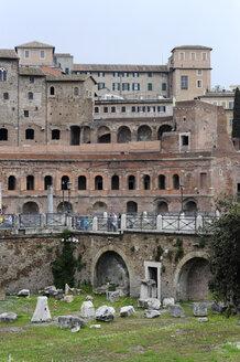 Italy, Rome, View of Trajan's Forum - MIZ000338