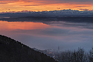 Germany, Baden Wuerttemberg, View of Lake Constance with red clouds and fog above water - SH000682