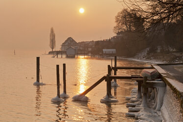Germany, Jetty and old granary in Lake Constance - SH000699