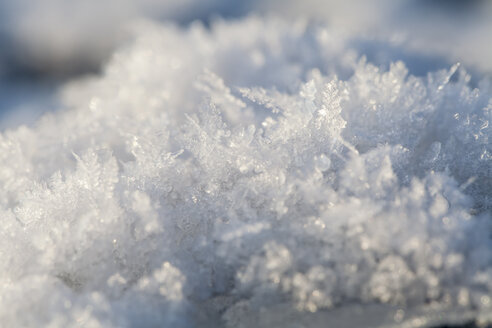 Germany, Hesse, Structures of snow, close up - SRF000093