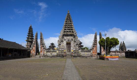 Indonesia, View of Pura Ulun Danu Batur temple at village Batur - AM000033