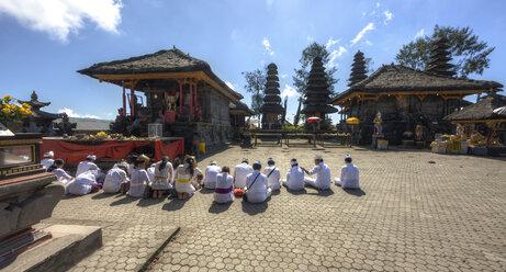 Indonesia, People praying in Pura Ulun Danu Batur temple at village Batur - AM000102