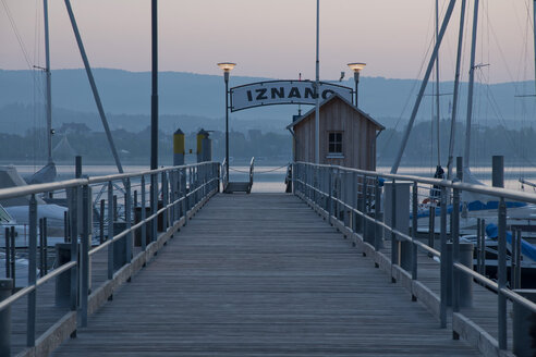 Germany, Baden Wuerttemberg, Jetty on Lake Constance - BST000051