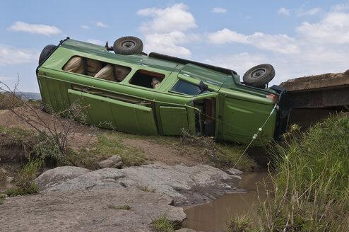 Africa, Kenya, Accident of safari jeep at Maasai Mara National Park - CB000113