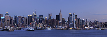 USA, New York State, New York City, View of Manhattan with Hudson river - RUEF001064