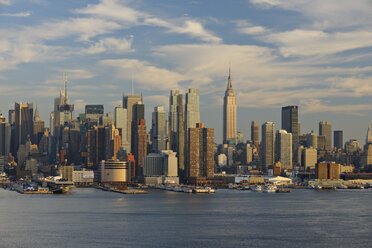 USA, New York State, New York City, View of Manhattan with Hudson river - RUE001046