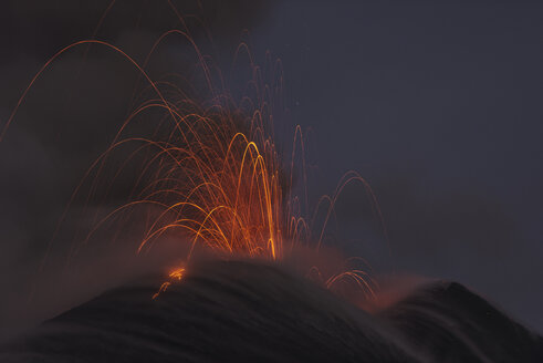 Italy, View of  Lava erupting from Mount Etna - RM000604