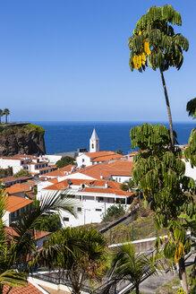 Portugal, View of houses at Camara de Lobos - AMF000212