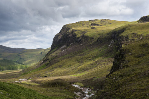 United Kingdom, Scotland, View of mountains at Northern Highlands - ELF000186