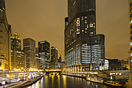 United States, Illinois, Chicago, View of Skyscraper along Chicago River - FOF005133
