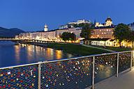 Austria, Salzburg, Love locks at River Salzach - SIE003920