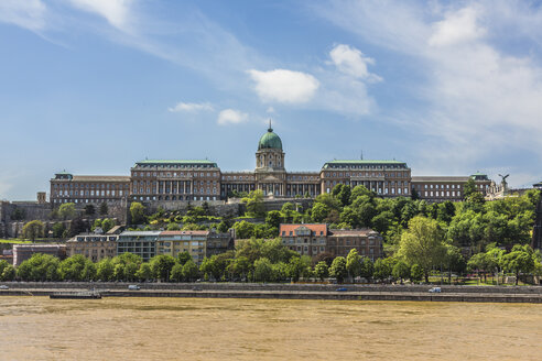Hungary, Budapest, View of Buda Castle - MAB000079
