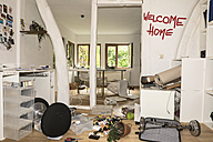 Germany, North Rhine Westphalia, Interior of house after burglary - ONF000211