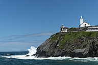 Spain, View of Lighthouse near beach - LA000081