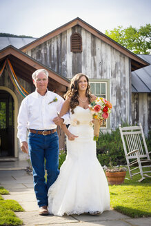 USA, Texas,  Father of bride and his daughter at outdoor wedding - ABAF000913