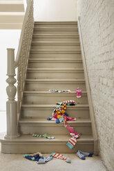 Socks fallen on staircase - FMKYF000313
