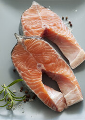 Raw salmon in plate, close up - OD000080