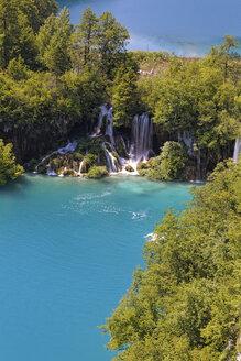 Croatia, Karlovac, Lake Gavanovac at Plitvice Lakes National Park - GF000067