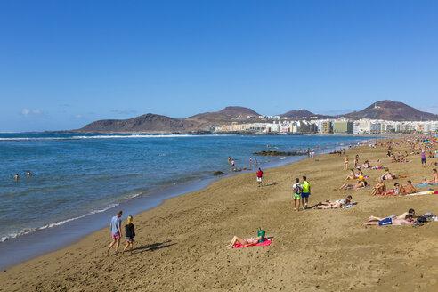 Spain, Las Palmas, Gran Canaria, People at Playa de las Canteras beach - MAB000120