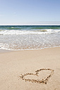 Portugal, Lisbon, View of Heart shape on sandy beach - SKF001311