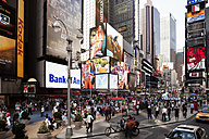 USA, New York, View of crowded Time Square - SK001441