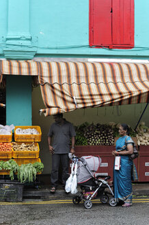 Asia, Singapore, Singapore, Little India, shop selling fruit and vegetables in the Indian district - MIZ000439