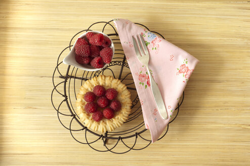 Fruit tartlet with raspberries - OD000198
