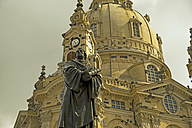 Germany, Saxony, Dresden, Statue of Martin Luther and Frauenkirche - WG000035