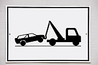 Tow-away zone sign - SKF001489