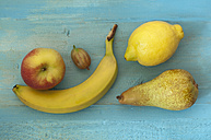 Fruits on table, close up - OD000228